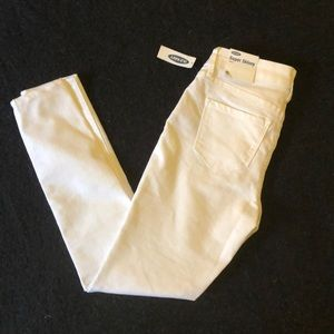 💕OLD NAVY WHITE ANKLE PANT